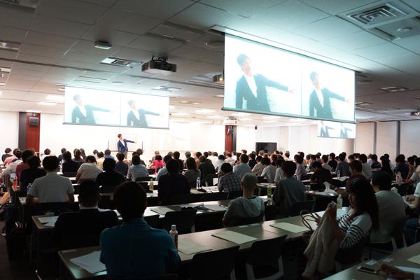 seminar pic sozai 1 - 遂に会員4000名超!!起業・副業・独立を目指す方必見のオンラインスクール